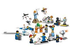 lego-60230-03