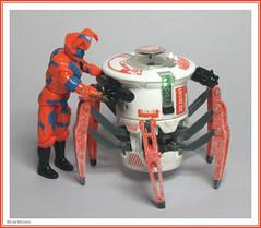 Hexbug Battle Spider with Corba Python Trooper (StarRunn) Tags: hexbug battlespider gijoe cobra pythontrooper toy actionfigure hasbro