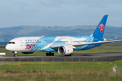 China Southern Boeing 787 (Daniel Talbot) Tags: 787th787 akl auckland aucklandairport aucklandregion b1168 b789 boeing boeing787 boeing7879dreamliner cz chinasouthern nzaa newzealand northisland speciallivery teikaamāui aircraft airplane airplanes airport autumn aviation maker oceania plane season seasons transportation