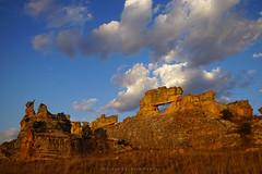 Isalo Sunset (Vitor Estrela Santos) Tags: vitorestrelasantos vitormes isalo madagascar sunset beautifulnature beautifulworld beautifulpeople rocks clouds parcnationaldelisalo nwn