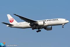 JA706J (minh261) Tags: japan airlines boeing 777 777200 777200er bangkok suvarnabhumi airport