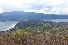 Lake Annecy @ Rochers des Moillats @ Hike to Château de Menthon, Rochers des Moillats & Ermitage de Saint-Germain (*_*) Tags: europe france hautesavoie 74 annecy savoie talloires spring printemps 2019 april afternoon hiking mountain montagne nature randonnee walk marche bornes rochersdesmoillats lacdannecy lakeannecy sentier trail forest
