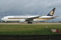 Singapore Airlines - Boeing 777-212/ER - 9V-SVC (Andy2982) Tags: airliner singaporeairlines boeing777212er 9vsvc cn28526355 manchesterairport