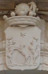 Lecce (Apulia-Italia). Escudo (santi abella) Tags: lecce apulia puglia italia heráldica escudos