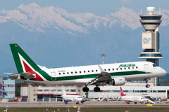 Alitalia CityLiner Embraer E175STD EI-RDJ | Milano - Malpensa (MXP-LIMC) | 1st May 2019 (Brando Magnani) Tags: controltower embraere175 landing airplane aviation aircraft malpensa embraer alitaliacityliner alitalia