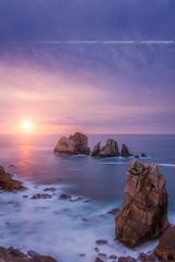 Sunset on Los Urros, Liencres ( Cantabria - Spain ) (Yannick Lefevre) Tags: europe spain espagne espana liencres cantabria costaquebrada ocean seascape rockscape sunset landscape longexposure nikon nikkor atlantic coastline coast waves evening bluehour sunlight