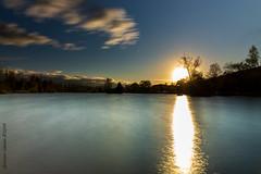 Wind und Wolken (Giuseppe Caponio) Tags: abendrot bäume frühling landschaft langzeitbelichtung ndfilter see sonne sonnenuntergang wasser wind wolken oberuzwil kantonstgallen schweiz