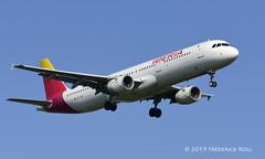 Iberia A321 ~ EC-IXD (© Freddie) Tags: londonheathrow poyle heathrow lhr egll 09l arrivals iberia oneworld airbus a321ecixd valdaran fjroll ©freddie