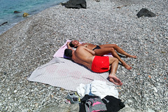 (Lovestoned For Good) (Robbie McIntosh) Tags: leicam9p leica m9p rangefinder streetphotography 35mm leicam autaut candid strangers leicaelmarit28mmf28iii elmarit28mmf28iii elmarit 28mm seaside tan naked sand vicoequense marinadiequa man speedo bikini woman