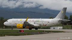 "Airbus A320-271N, Vueling Airlines livrée ""We Love Places"", EC-NAJ (maxguenat) Tags: avion spotting cointrin spotter airbus a320271n néo vueling airlines weloveplaces ecnaj"
