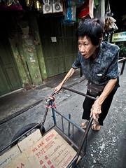 Bangkok Yaowarat Chinatown -3270285 (Neil.Simmons) Tags: bangkok thailand yaowarat china town chinatown seasia asia candid streetphotography woman trolley laowa 75mm f2 uwa ultra wide angle
