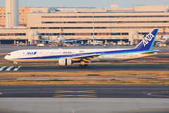 ANA Boeing 777-381 JA757A (Mark Harris photography) Tags: spotting plane boeing 777 ana canon hnd japan