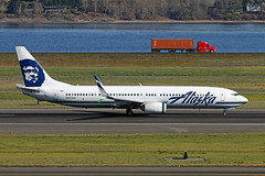 What Do We Do With These Winglets...?? (planephotoman) Tags: boeing 737 739 737900 737990 n487as alaskaairlines alaska airline airliner pdxaircraft portlandinternationalairport pdx kpdx