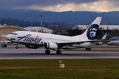 Old School Livery With A Twist (planephotoman) Tags: boeing 737 737700 737790 n611as alaskaairlines alaska airline airliner pdxaircraft portlandinternationalairport pdx kpdx