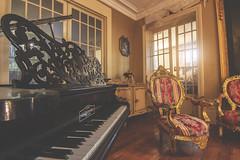 Il jouait du piano debout (Lady A Photo) Tags: urbex piano canon tokina exploration manoir