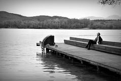 Momentos de relax (Osruha) Tags: banyoles girona gerona cataluña catalunya catalonia españa espanya spain lago estany lake relax relaxation naturaleza natura nature blancoynegro blancinegre blackandwhite bw bn bnw nikon nikonistas nikond750 d750