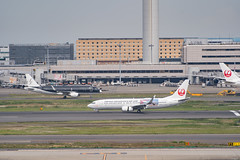 JAL (method.cosmo) Tags: haneda airport airplane