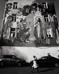 Wall of faith (Yuri Balanov) Tags: pentaxk70 pentax1685 sityscape pentaxricoh wall cult bwphoto blackandwhite pentaxrussia contrast контраст чбфото religion жизньвокругнас urban life чернобелая aroundtheworld мирвокругнас nofilter безфильтров lifeshot street building стрит церковь дом summerday streetphoto streetphotography
