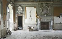 Villa Imperiale (Sean M Richardson) Tags: abandoned villa architecture design decor details italia gold canon photography decay explore travel urbex texture color light art mural