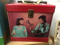 donny  and marie record player (timp37) Tags: donny marie record player illinois jackson square mall may 2019