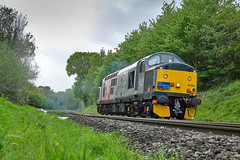 In yer face (Mirrorfinish) Tags: class37 37601 pegasus eetype3 whitacrejunction shustoke warwickshire england locomotive engine railway train heritagediesel
