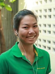 pretty pedestrian (the foreign photographer - ฝรั่งถ่) Tags: pretty pedestrian woman khlong thanon portraits bangkhen bangkok thailand canon