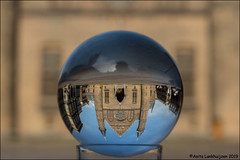 Looking in my crystal ball (Ciao Anita!) Tags: denhaag thehague laja zuidholland nederland netherlands olanda binnenhof ridderzaal regering government governo lensball sferadicristallo ondersteboven capovolto upsidedown weerspiegeling reflection riflesso reflexions theperfectphotographer supershot friends