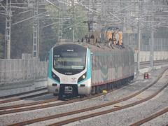 A 5-car E32000 class 'Marmaray' electric unit waits to reverse back into Söğütlüçeşme station, Istanbul, to form a service to Zeytinburnu (Steve Hobson) Tags: turkish railways tcdd e32000 hyundai rotem emu marmaray söğütlüçeşme