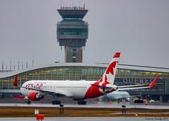 Air Canada Rouge | Boeing 767-333(ER) | C-FMWV | YQB (tremblayfrederick98) Tags: