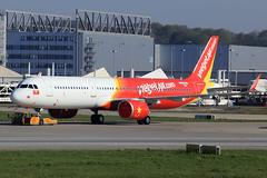 VietJetAir A321-271N D-AZAC (VN-A607) (widebodies) Tags: hamburg finkenwerder xfw edhi widebody widebodies plane aircraft flughafen airport flugzeug flugzeugbilder vietjetair a321271n dazac vna607