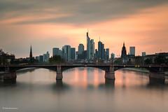 Frankfurt Skyline (He Ro.) Tags: 2019 frankfurt skyline buildings main flus water river sunset colours city cityscape germany deutschland lzb langzeitbelichtung longexposure leebigstopper leefilters splittoning
