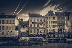 Ghent 2019 (EBoss Fotografie) Tags: gent ghent belgium belgie europe travel tourism city canal boat canon soe twop supershot water sky clouds architecture dark ancient