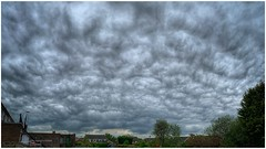 cloudy day (Andy Stones) Tags: clouds cloudscape sky skywatching weather weatherwatch nature naturelovers naturephotography natureseekers structure formation outdoors outside photography photoof image imageof imagecapture scunthorpe lincolnshire northlincs northlincolnshire nlincs