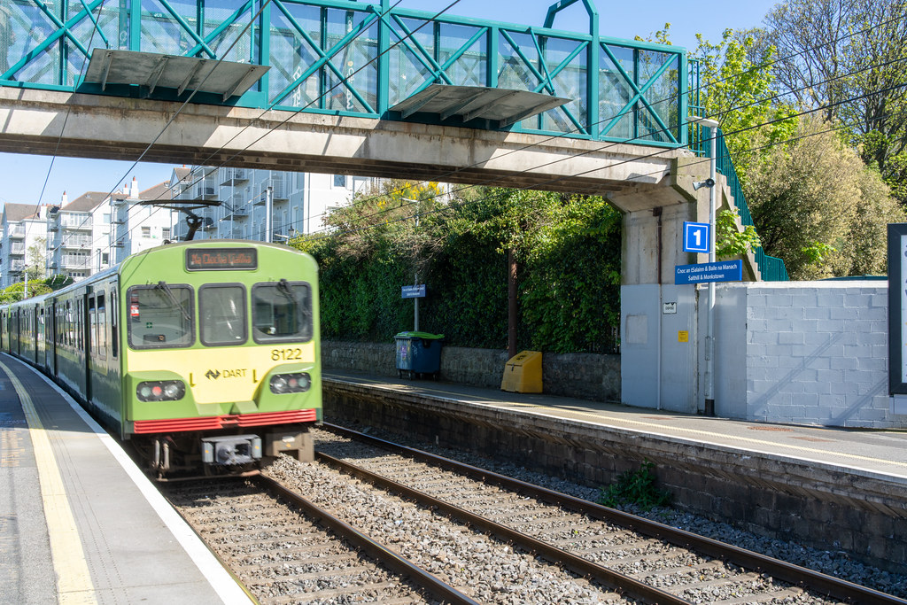 SALTHILL AND MONKSTOWN TRAIN STATION [DART SERVICE]-152118