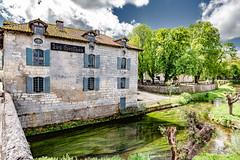 02-Hostellerie Les Griffons (Alain COSTE) Tags: 2019 bourdeilles dordogne dronne nikon ocb périgordvert rivière sigma20mmf14 printemps village france