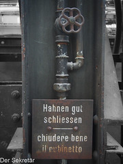 Bitte gut schliessen --- Please close well (der Sekretär) Tags: absperrhahn anweisung aufforderung befehl blechschild detail eisen metall rohr rost schild stahl stahlträger träger ventil wasserhahn carrier closeup gatevallve girder instruction iron metal order pipe plaque rostig rust rusty shutoffcock sign stain steel steelgirder stopvalve stopcock stopckock tap tinplatesign tube valve verrostet watertap