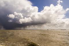 Waarde (Omroep Zeeland) Tags: westerschelde wolkenlucht waarde scheepvaart regenwolken regenbui