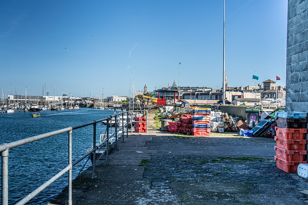 TRADERS' WHARF AREA [WEST PIER DUN LAOGHAIRE HARBOUR]-152238