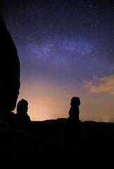 stars and starlets (Tofubratwurst) Tags: milkyway milchstrase sächsischeschweiz sachsen saxonswitzerland saxony ostdeutschland germany nature natur nachts night stars sterne barbarine pfaffenstein tofubratwurst sonyalpha7rm2 sony langzeit longexposure