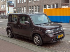 Amsterdam, april 2019 (Okke Groot - in tekst en beeld) Tags: 19nzb4 admiraalderuijterweg sidecode7 nissancube amsterdam nederland