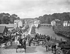 Pilgrims Starting from Pettigo, Lough Derg, Co. Donegal (National Library of Ireland on The Commons) Tags: robertfrench williamlawrence lawrencecollection lawrencephotographicstudio thelawrencephotographcollection glassnegative nationallibraryofireland pettigo donegal pilgrimage loughderg charabancs sidecars ulster pettigoe paiteagó floodshotel brennans locationidentified