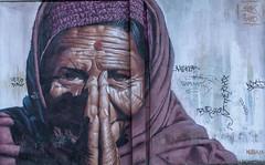 Arrugas sobre la pared. (Amparo Hervella) Tags: madrid españa spain grafiti fotografíacallejera retrato pintura d7000 nikon nikond7000