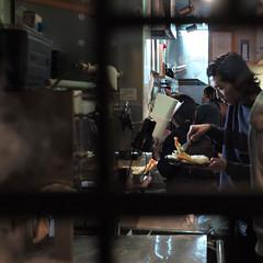 Udon Shin, Shinjuku, Tokyo, Japan (Plan R) Tags: udon shin tempura shrimp kitchen restaurant cook leica m 240 noctilux 50mm