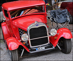 Red Ford (Logris) Tags: ford red car auto oldtimer classic canon