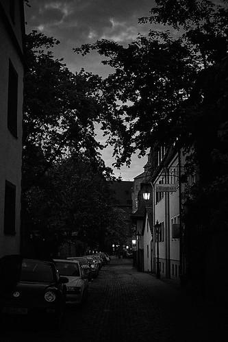 Aschaffenburg in der Abenddämmerung.