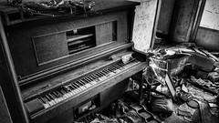 hitting only sour notes now.... (BillsExplorations) Tags: piano monochrome monochromemonday blackandwhite abandoned abandonedillinois abandonedhouse decay ruraldecay forgotten shuttered neglect oncewashome