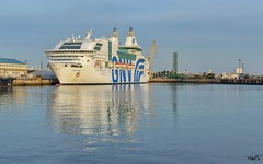 _DSC2168 copia (Luis PS.) Tags: barcos mar 1610 d3100 karma spain utopia widescreen boats ocean sea
