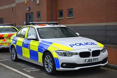 FJ65 FFY (S11 AUN) Tags: derbyshire police bmw 330d xdrive 3series saloon anpr traffic car roads policing unit rpu motor patrols 999 emergency vehicle fj65ffy