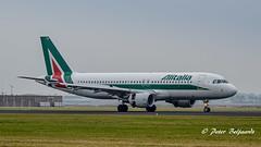 EI-DTG  Airbus A320-200 - Alitalia (Peter Beljaards) Tags: ludovicoariosto eidtg airbusa320200 alitalia a320 airbusa320 nikon7003000mmf4556 ams eham airplane aircraft schiphol haarlemmermeer polderbaan 18r runway18r az