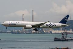 HL7783 (PlanePixNase) Tags: korean skyteam boeing 777300 b773 777 hkg vhhh hongkong cheplapkok airport aircraft planespotting